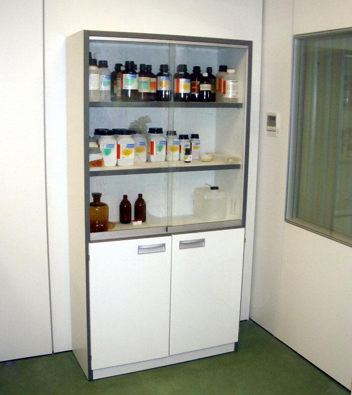 armario-vitrina-de-pie-c21-2