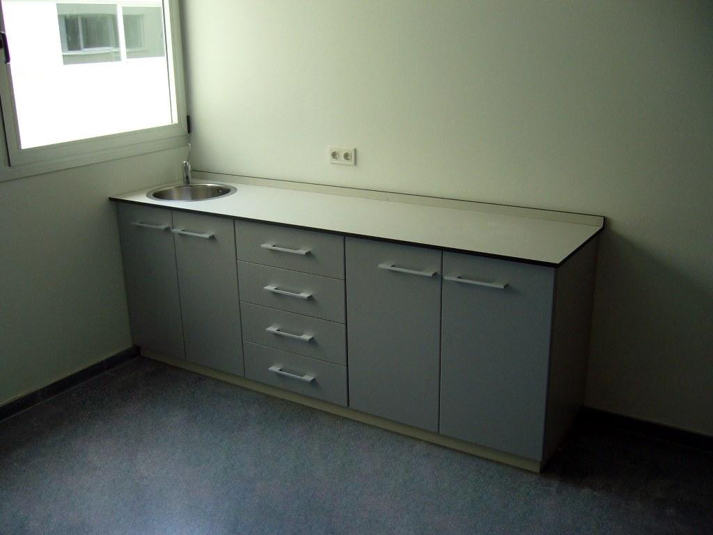 Muebles-consulta-encimera-resina-fenolica-26