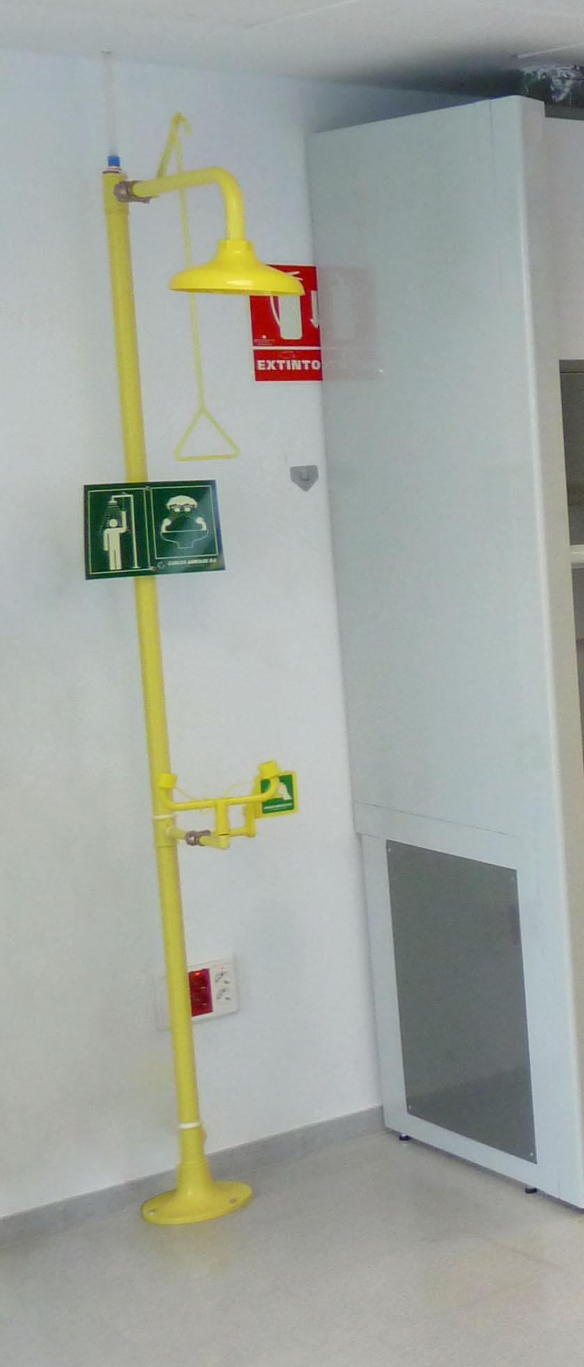 ducha-lavaojos-de-emergencia-e23