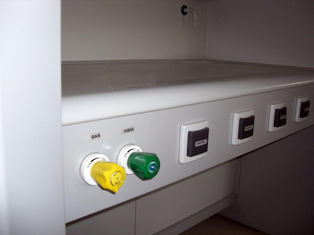 servicio-de-agua-y-gas-d2-1