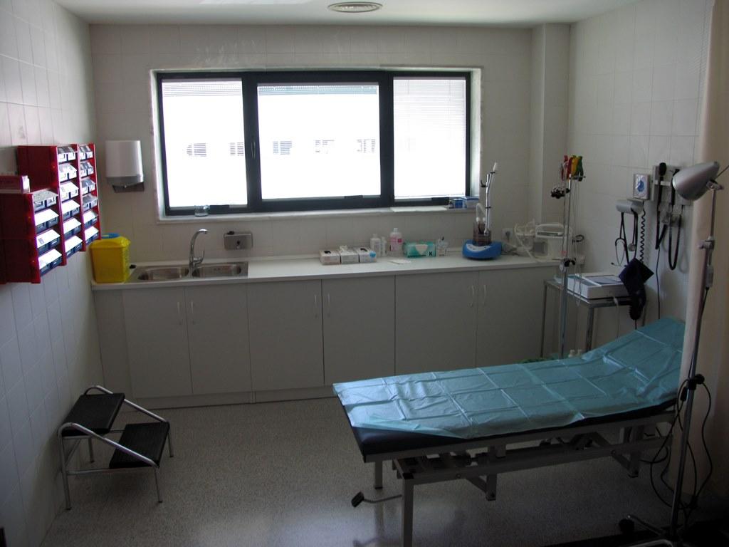 Muebles-consulta-encimera-melamina-13