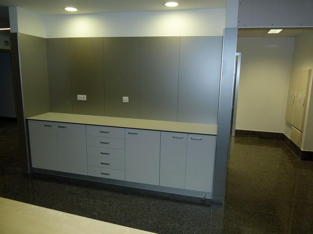 Muebles-consulta-encimera-resina-fenolica-23